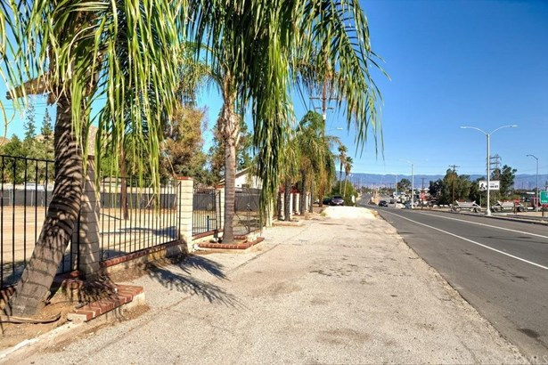 2941 S La Cadena Drive, Colton, CA - USA (photo 1)