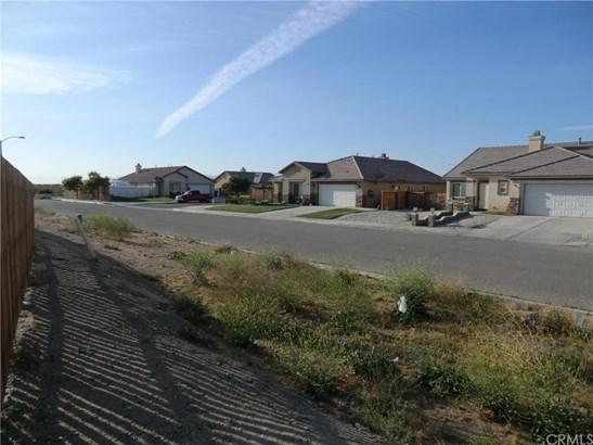 11838 Far Hills Lane, Victorville, CA - USA (photo 1)