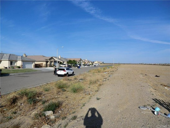 11838 Far Hills Lane, Victorville, CA - USA (photo 4)