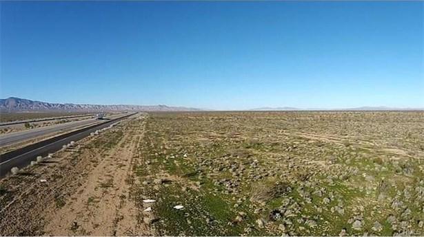 1 Hwy 58, Bishop Dr., Mojave, CA - USA (photo 2)