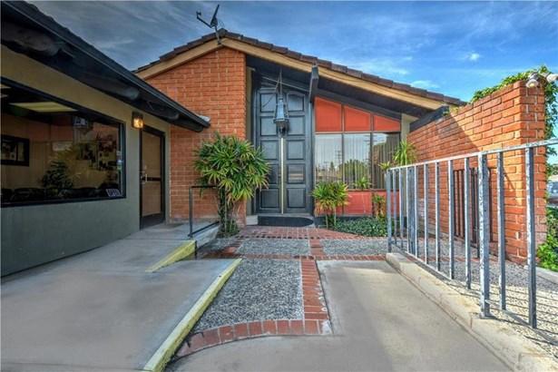 616 W Edinger Avenue, Santa Ana, CA - USA (photo 1)