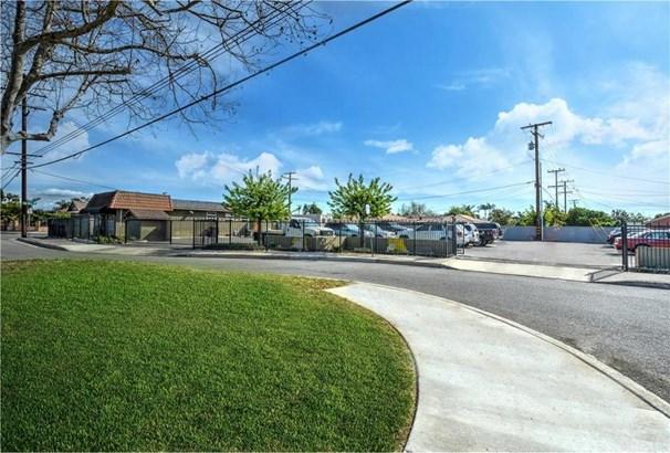 616 W Edinger Avenue, Santa Ana, CA - USA (photo 3)
