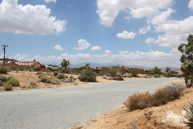 Lots and Land - Yucca Valley, CA (photo 2)