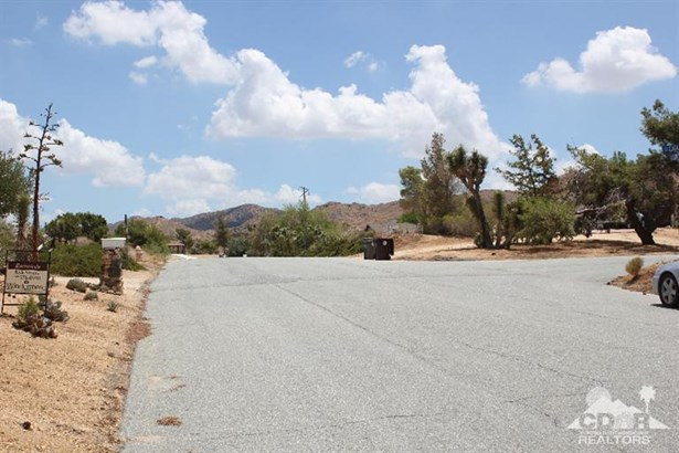 Lots and Land - Yucca Valley, CA (photo 3)