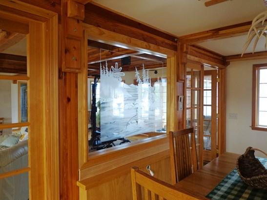 Interior (photo 4)
