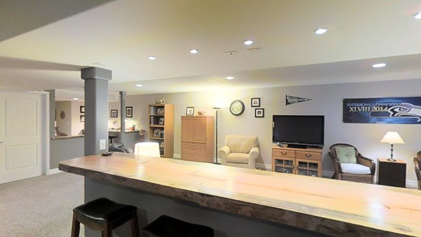 Fully finished basement (photo 2)