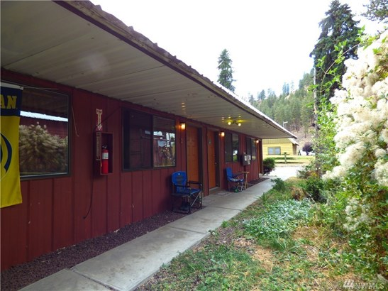 408 N Main St, Conconully, WA - USA (photo 3)