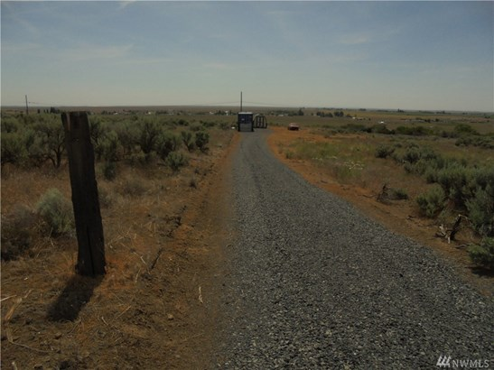 3275 28 E, Soap Lake, WA - USA (photo 2)