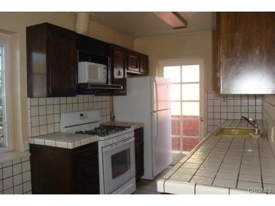 Single Family Residence, Traditional - Lake Balboa, CA (photo 3)