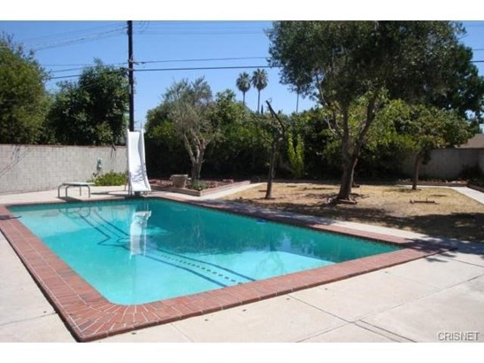 Single Family Residence, Traditional - Lake Balboa, CA (photo 5)