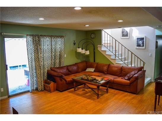 Single Family Residence - Mission Hills (San Fernando), CA (photo 3)