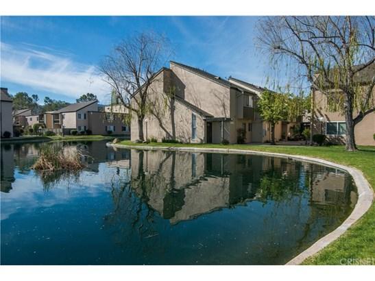 Townhouse - Valencia, CA (photo 2)
