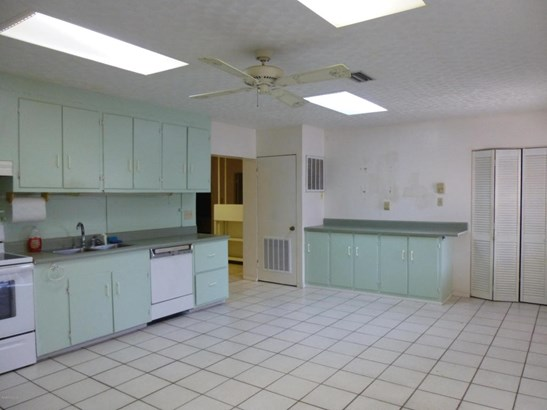 Single Family Detached, Multi Homes on Prop - Cocoa Beach, FL (photo 5)