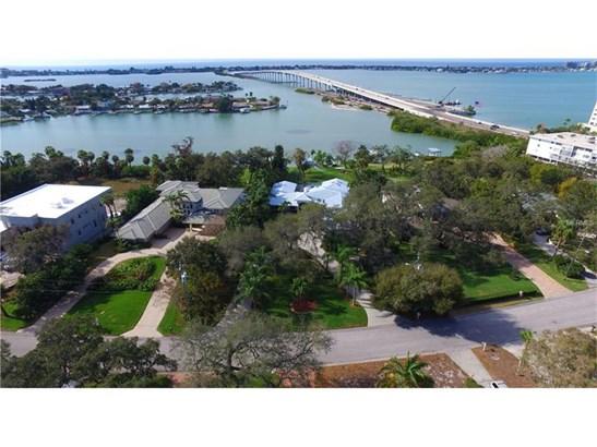 106 Harbor View Lane, Belleair Bluffs, FL - USA (photo 3)