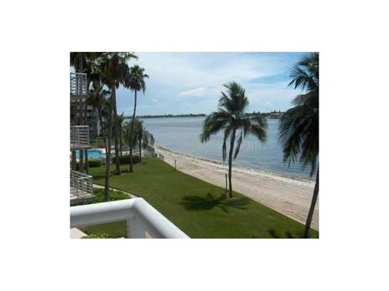 5701 Bahia Del Mar Circle 301, St. Petersburg, FL - USA (photo 1)