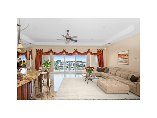 205 Brightwater Drive 401, Clearwater Beach, FL - USA (photo 2)