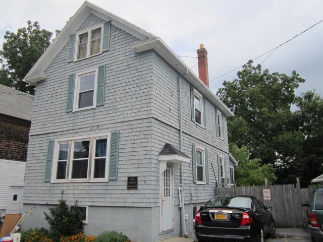 4 Pleasant Street, Le Roy, NY - USA (photo 1)