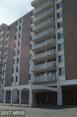 Mid-Rise 5-8 Floors, Traditional - BALTIMORE, MD (photo 2)