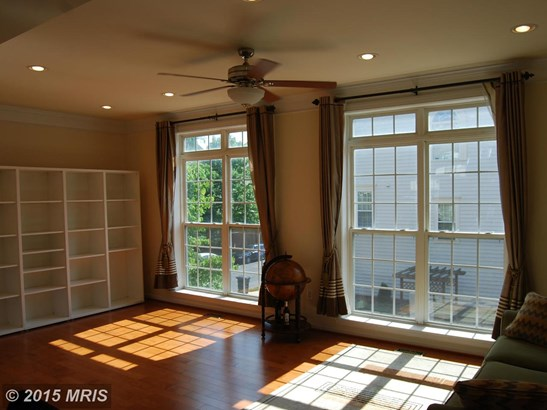 Townhouse, Colonial - VIENNA, VA (photo 5)