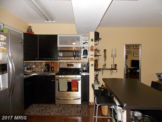 Mid-Rise 5-8 Floors, Contemporary - BALTIMORE, MD (photo 4)
