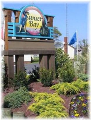 Contemporary,Condo,Beach House, Condo - Chincoteague, VA (photo 2)