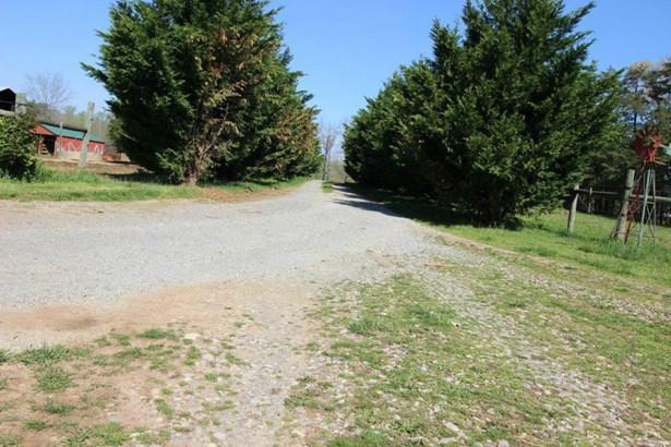 1 & 1/2 Story, Residential - Moneta, VA (photo 2)
