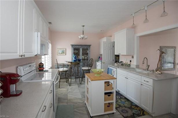 Contemp, Cottage, Single Family - Norfolk, VA (photo 3)