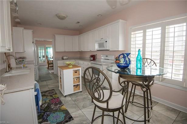 Contemp, Cottage, Single Family - Norfolk, VA (photo 5)