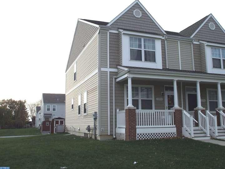 Semi-Detached, Colonial - CHESTER, PA (photo 1)