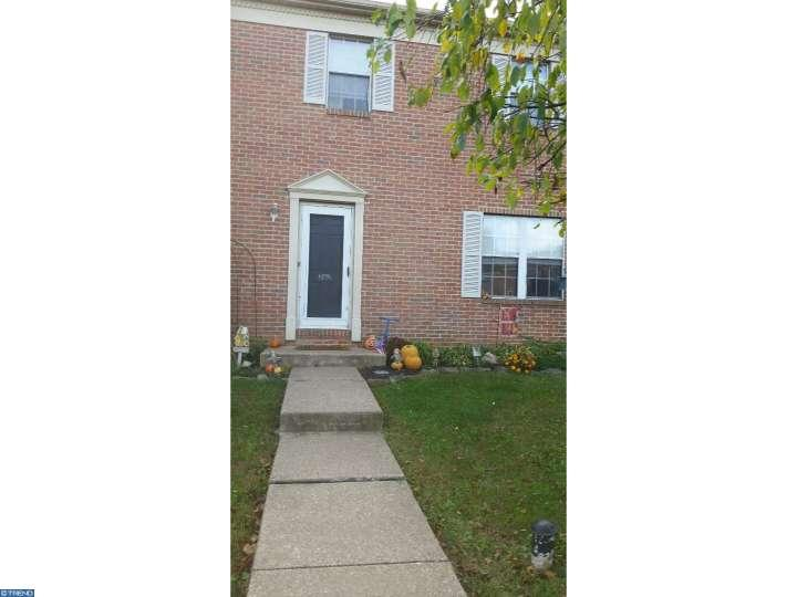 Colonial, Row/Townhouse/Cluster - SCHWENKSVILLE, PA (photo 1)