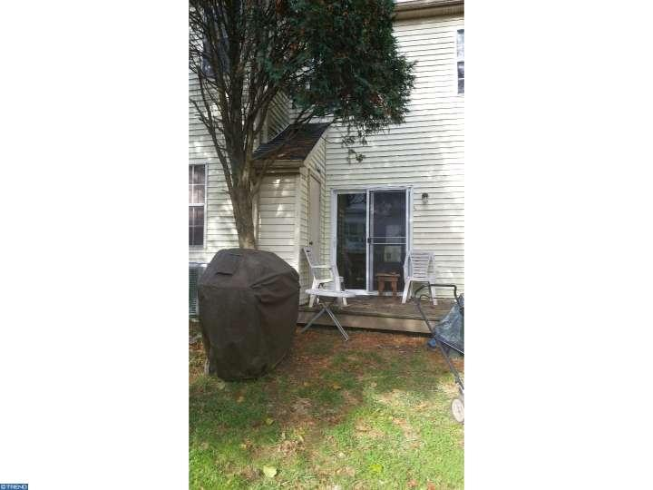 Colonial, Row/Townhouse/Cluster - SCHWENKSVILLE, PA (photo 2)