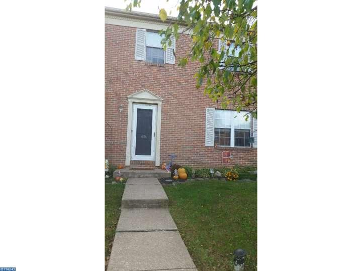 Colonial, Row/Townhouse/Cluster - SCHWENKSVILLE, PA (photo 4)