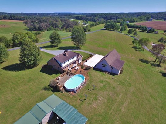 Residential, 2 Story - Wirtz, VA (photo 3)
