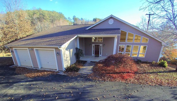 Residential, Contemporary - Wirtz, VA (photo 5)