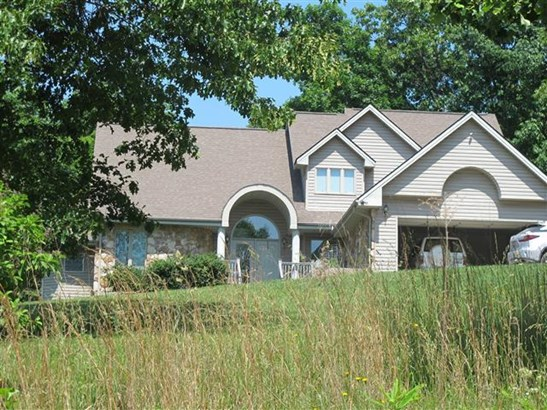 Residential, Contemporary - Pembroke, VA (photo 2)