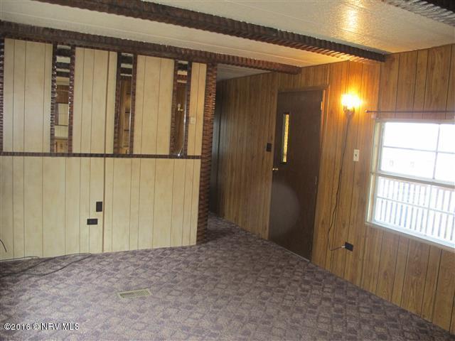 Mobile Home Single, Detached - Pearisburg, VA (photo 2)