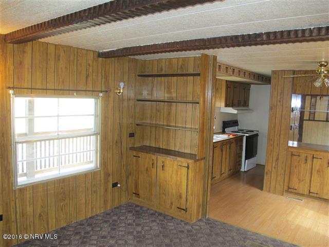 Mobile Home Single, Detached - Pearisburg, VA (photo 3)