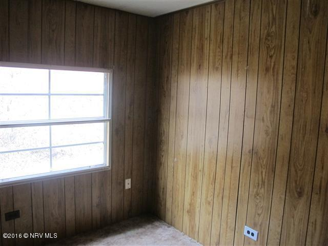 Mobile Home Single, Detached - Pearisburg, VA (photo 4)