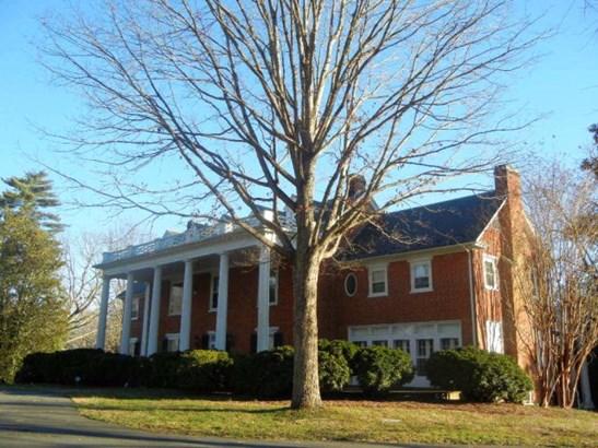 2.5 Story, Colonial, Single Family - Halifax, VA (photo 1)
