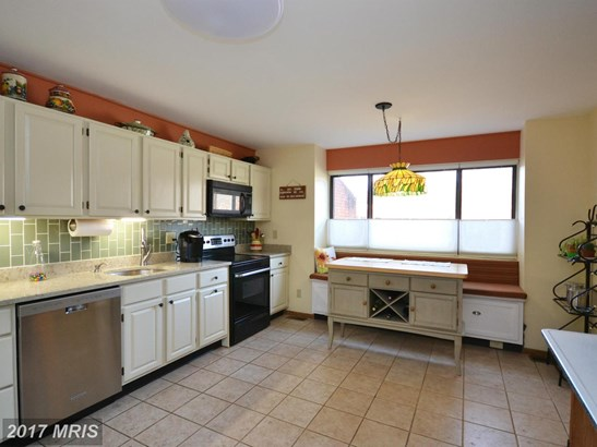 Townhouse, Traditional - TOWSON, MD (photo 4)