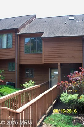 Townhouse, Colonial - HEDGESVILLE, WV (photo 3)