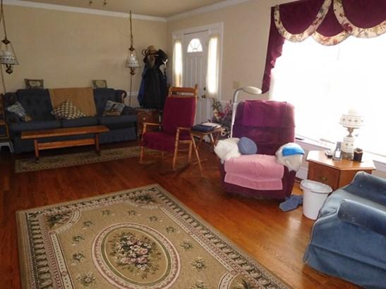 Traditional, Single Family - Halifax, VA (photo 4)