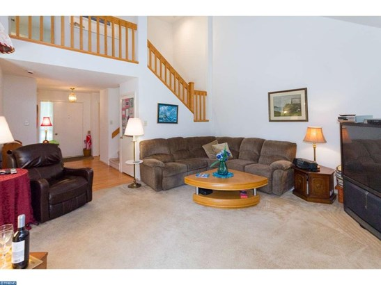 Row/Townhouse, Contemporary - WEST CHESTER, PA (photo 5)