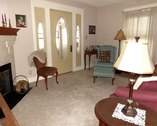 Bungalow,AirLite, Semi-Detached - GLENOLDEN, PA (photo 4)