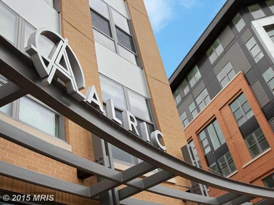 Mid-Rise 5-8 Floors, Contemporary - ALEXANDRIA, VA (photo 1)