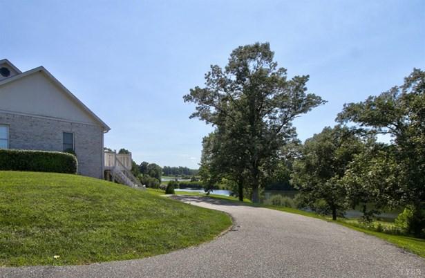 Single Family Residence, Ranch - Amherst, VA (photo 4)