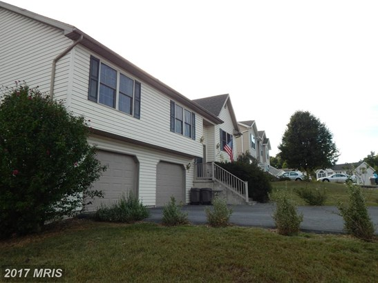 Split Foyer, Detached - MARTINSBURG, WV (photo 2)