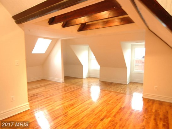Mid-Rise 5-8 Floors, Contemporary - BALTIMORE, MD (photo 2)