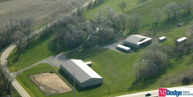 Detached Housing, Tri-Level - Omaha, NE (photo 1)