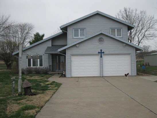 Single Family Residence, 2 Story - SIDNEY, IA (photo 1)